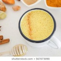turmeric-latte-golden-milk-healthy-260nw-567073090